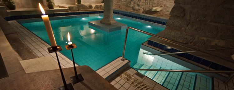 pool-area-wisby-hotel-visby